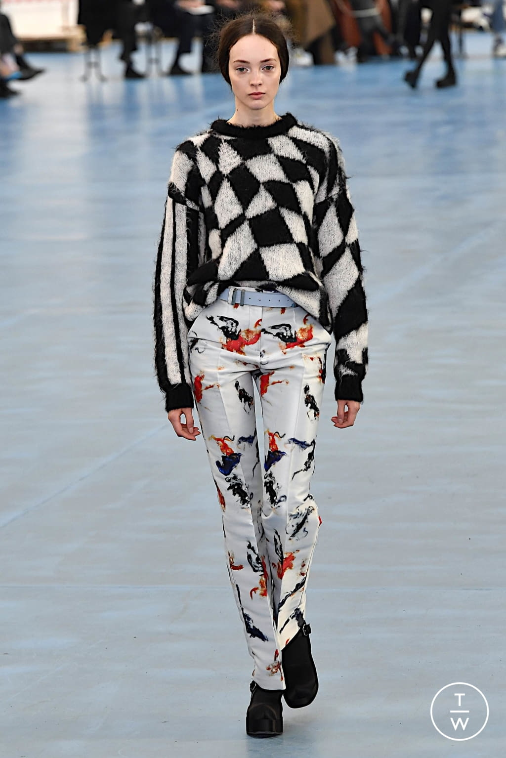 Fashion Week Milan Fall/Winter 2020 look 23 de la collection Arthur Arbesser womenswear