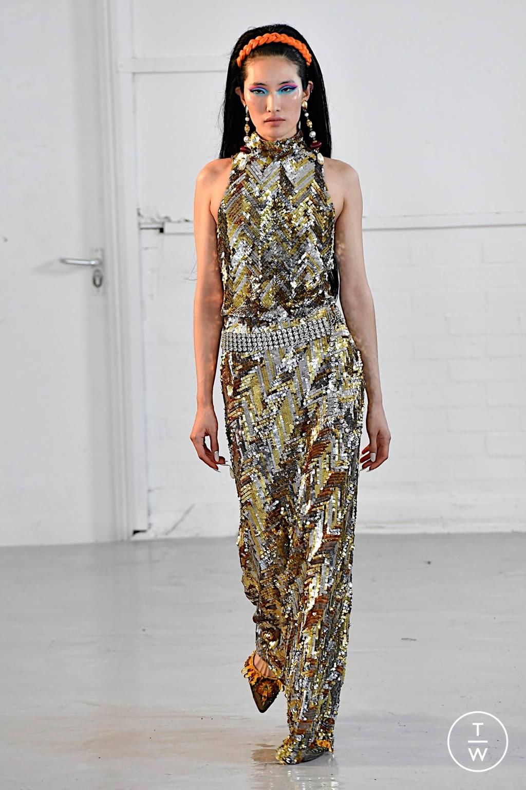 Fashion Week London Fall/Winter 2020 look 30 from the Ashish collection womenswear