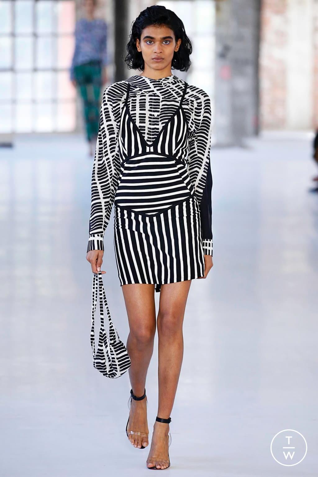 Fashion Week Paris Spring/Summer 2019 look 6 de la collection Atlein womenswear