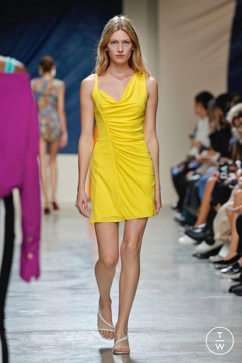 Fashion Week Paris Spring/Summer 2020 look 11 de la collection Atlein womenswear