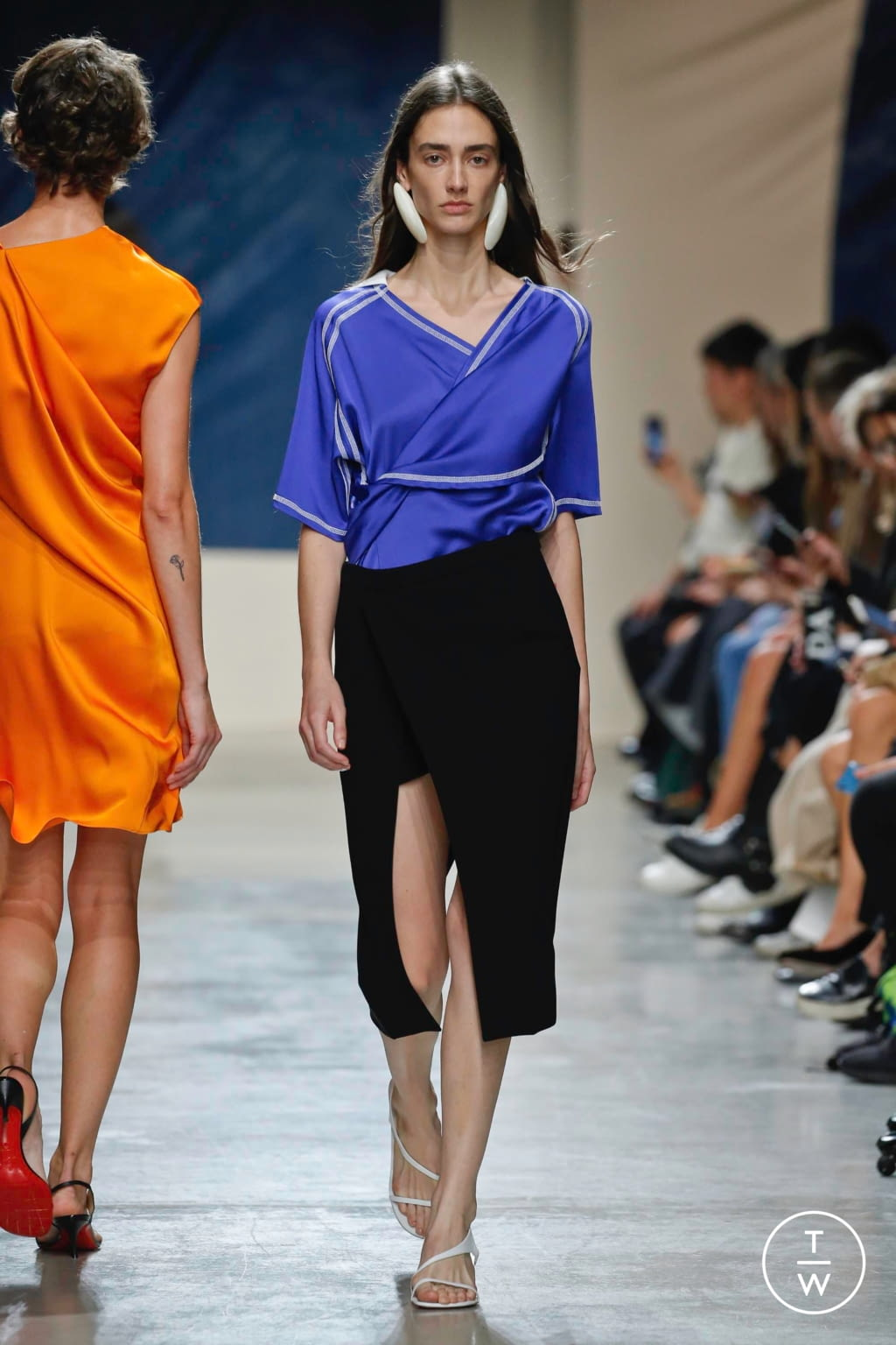 Fashion Week Paris Spring/Summer 2020 look 14 de la collection Atlein womenswear