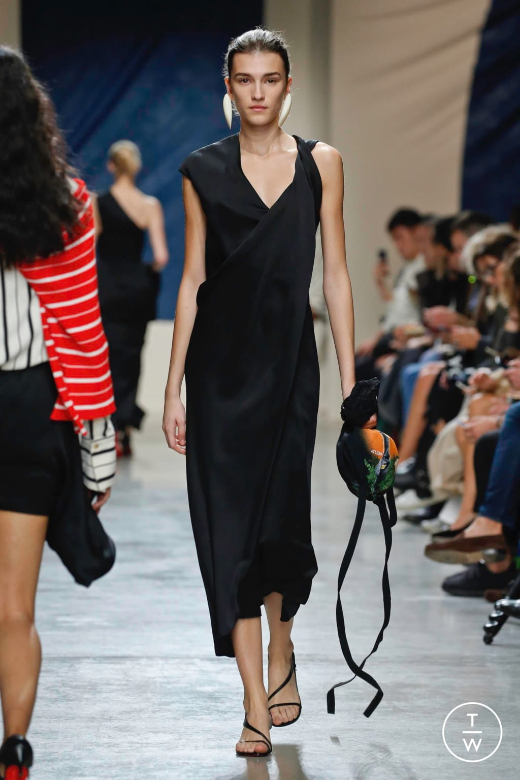 Fashion Week Paris Spring/Summer 2020 look 20 from the Atlein collection womenswear
