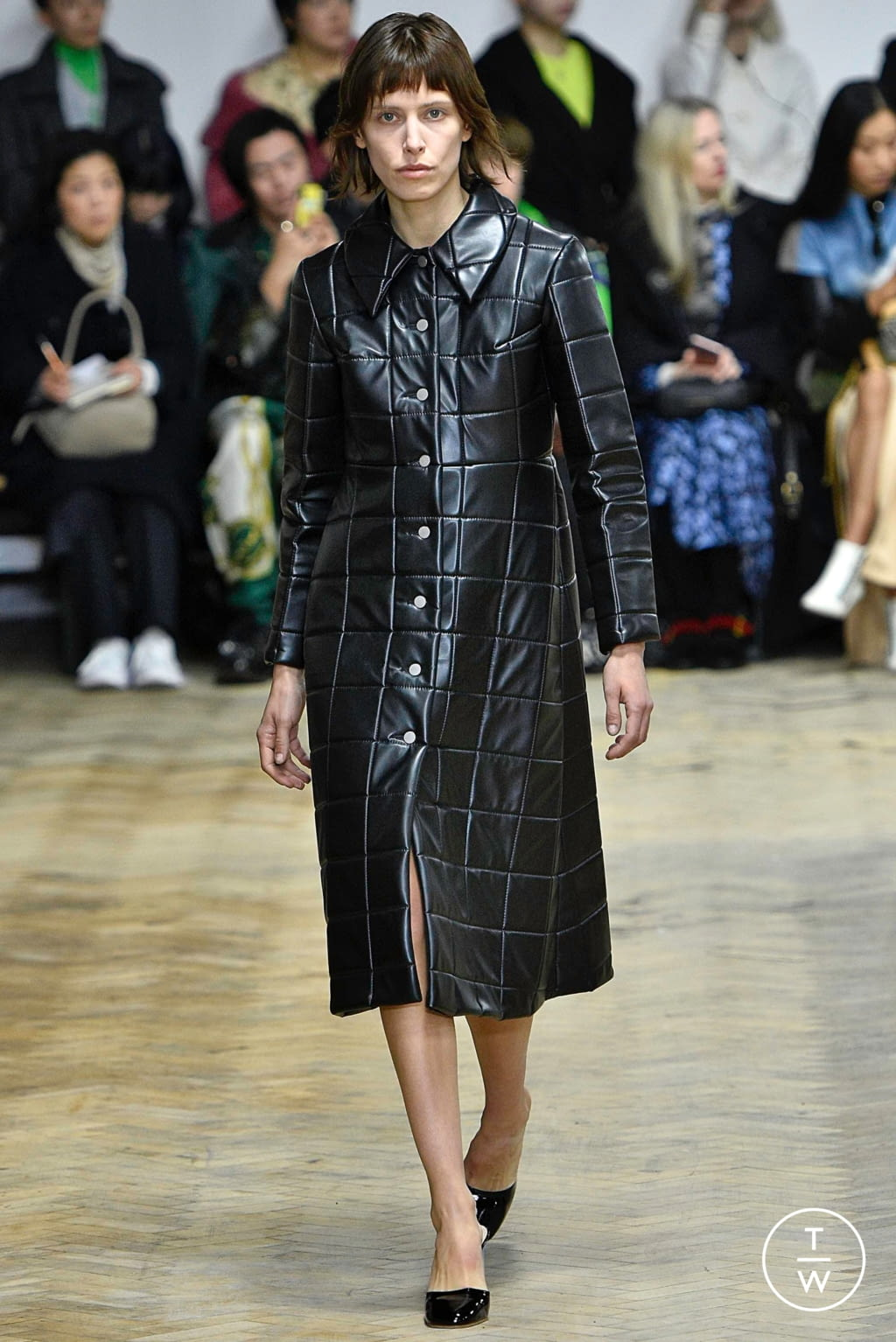 Fashion Week London Fall/Winter 2019 look 11 from the A.W.A.K.E MODE collection womenswear