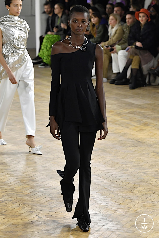 Fashion Week London Fall/Winter 2020 look 4 de la collection A.W.A.K.E MODE womenswear
