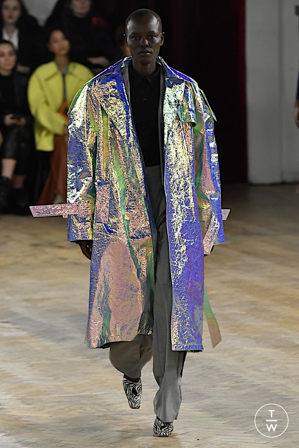 Fashion Week London Fall/Winter 2020 look 31 from the A.W.A.K.E MODE collection womenswear
