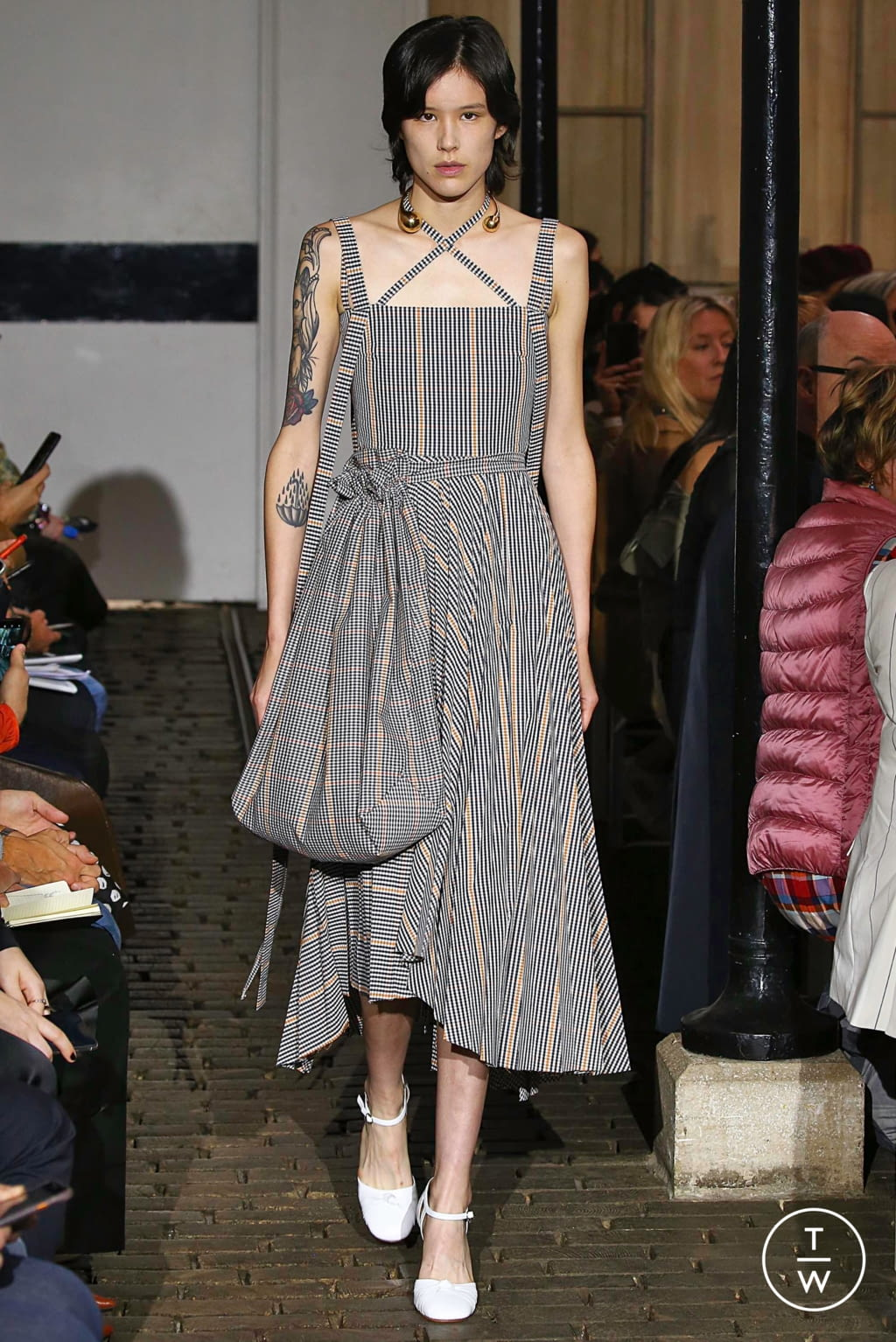 Fashion Week Paris Spring/Summer 2019 look 33 from the A.W.A.K.E MODE collection womenswear
