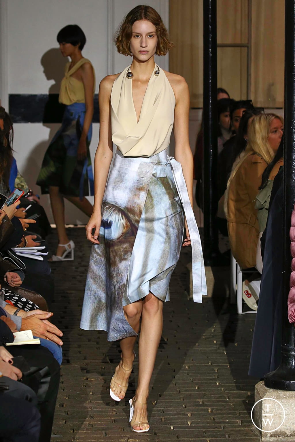 Fashion Week Paris Spring/Summer 2019 look 45 de la collection A.W.A.K.E MODE womenswear