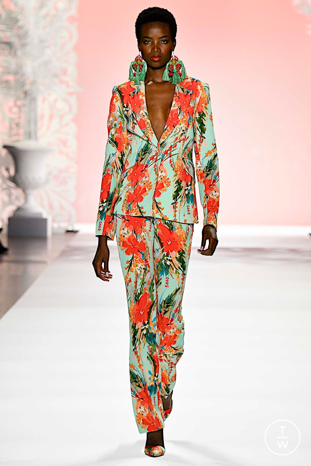 Fashion Week New York Spring/Summer 2020 look 1 from the Badgley Mischka collection womenswear