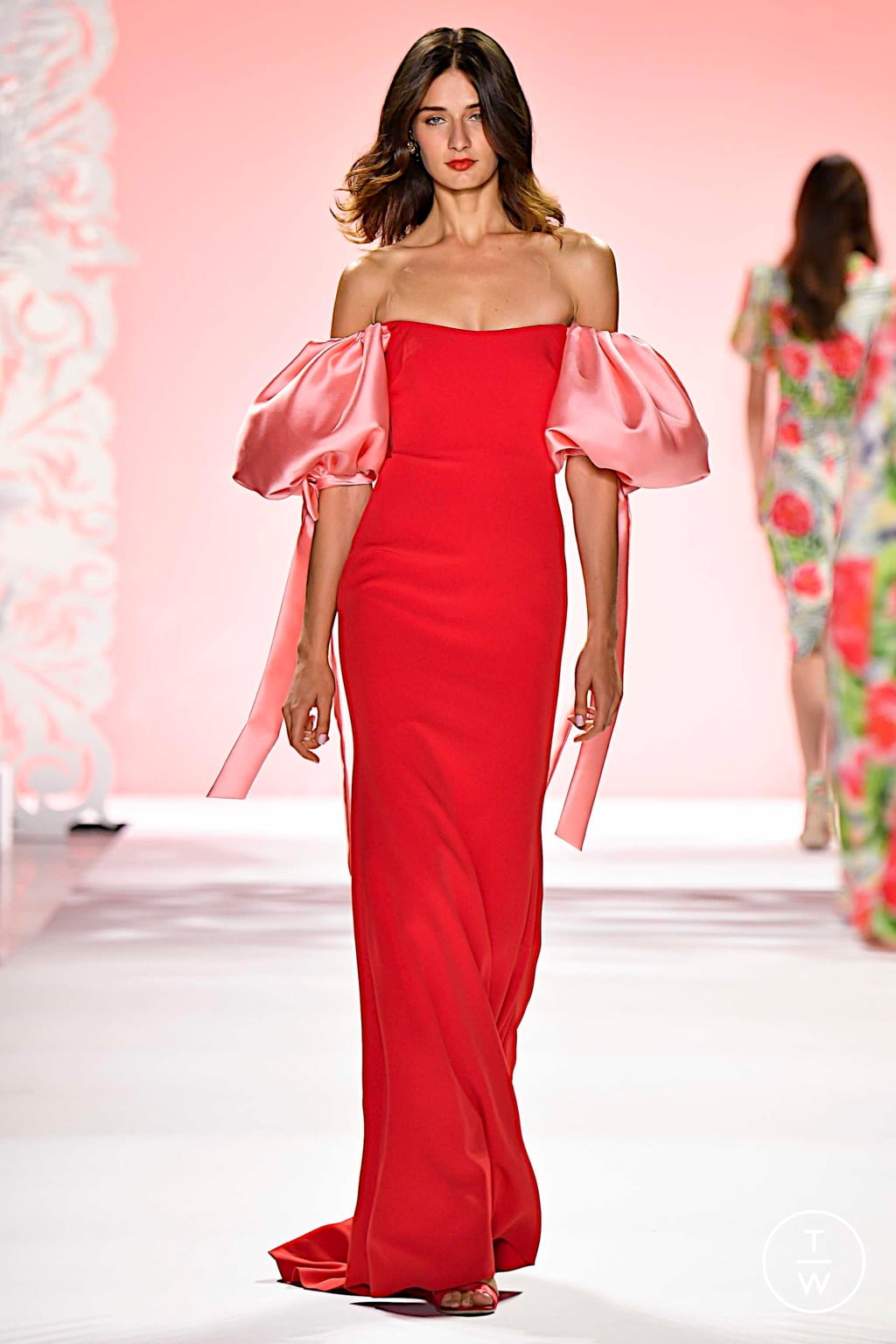 Fashion Week New York Spring/Summer 2020 look 10 from the Badgley Mischka collection 女装