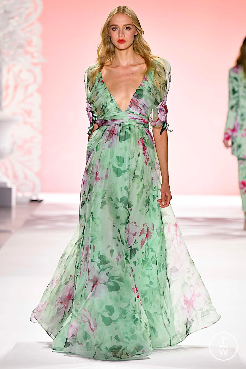 Fashion Week New York Spring/Summer 2020 look 17 from the Badgley Mischka collection womenswear