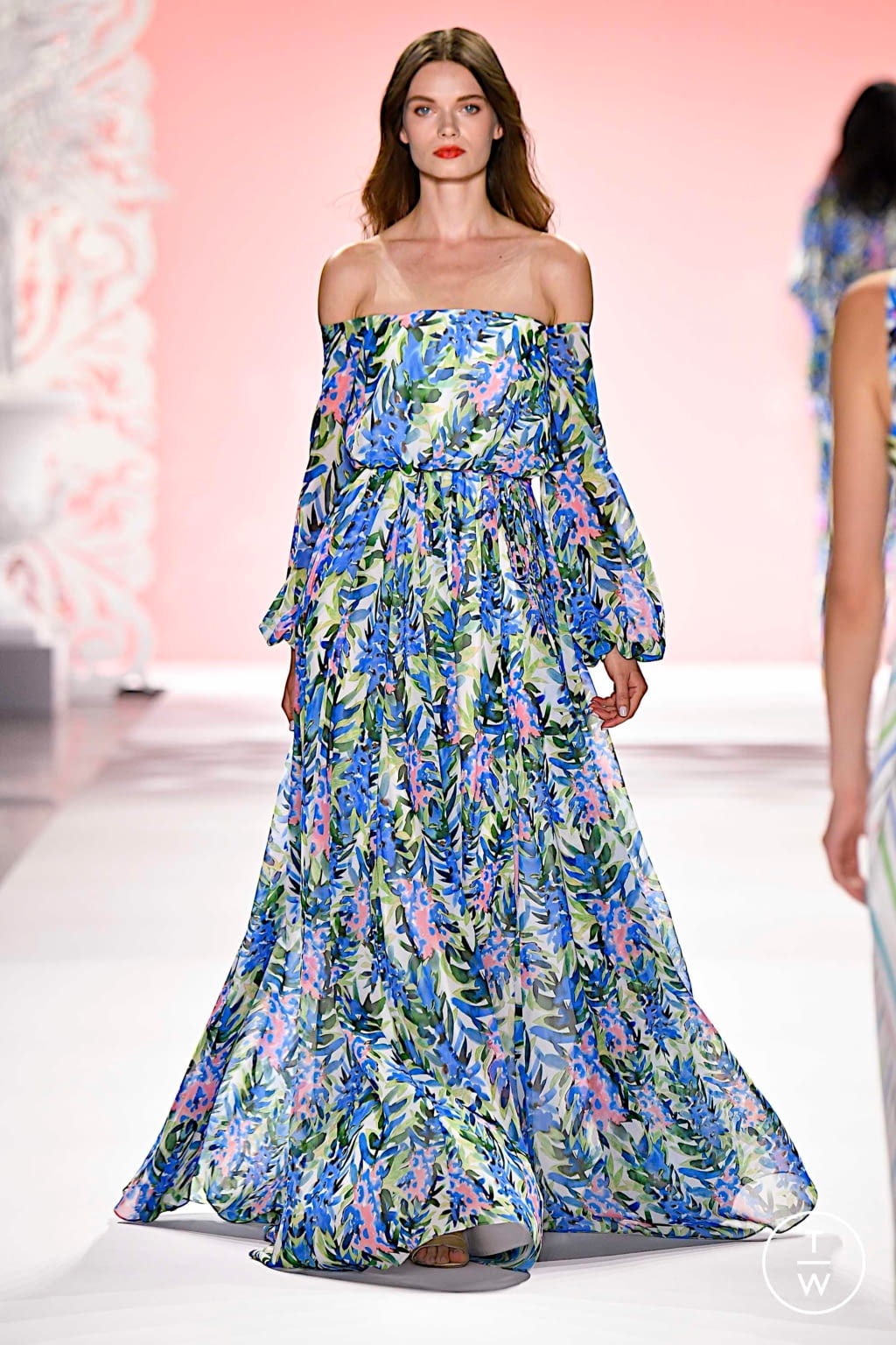 Fashion Week New York Spring/Summer 2020 look 23 from the Badgley Mischka collection womenswear