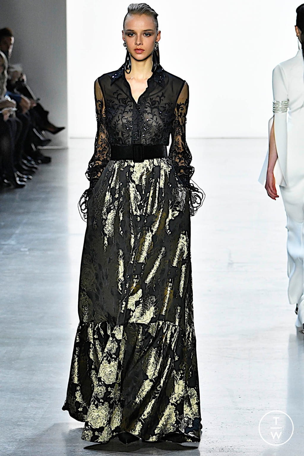 Fashion Week New York Fall/Winter 2019 look 9 from the Badgley Mischka collection womenswear