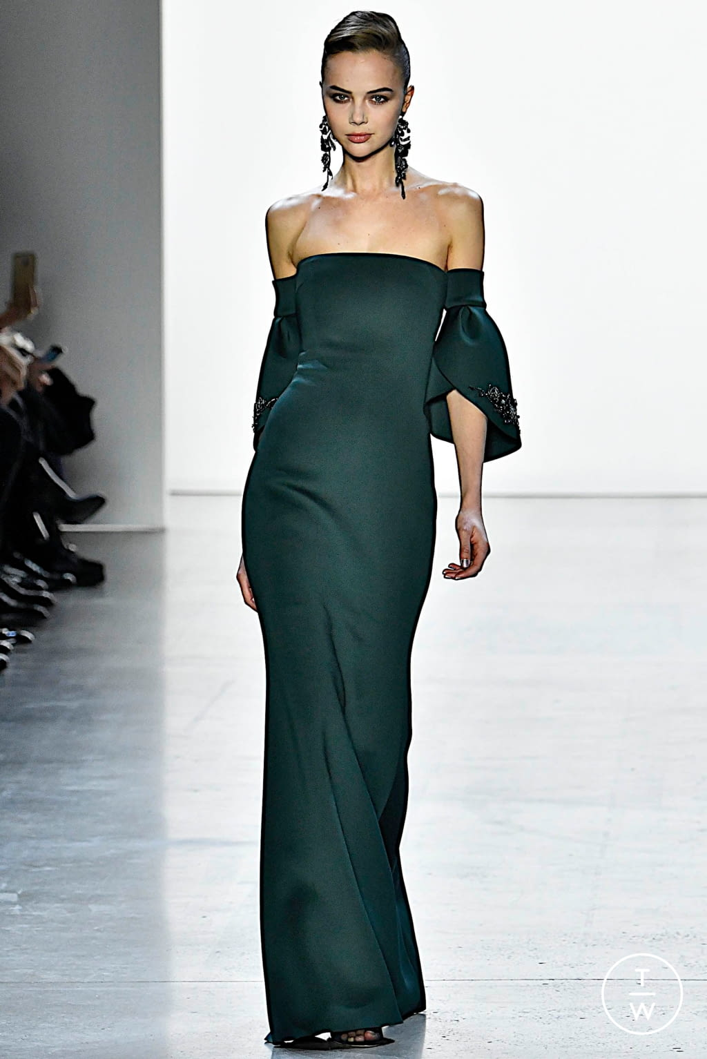 Fashion Week New York Fall/Winter 2019 look 12 de la collection Badgley Mischka womenswear