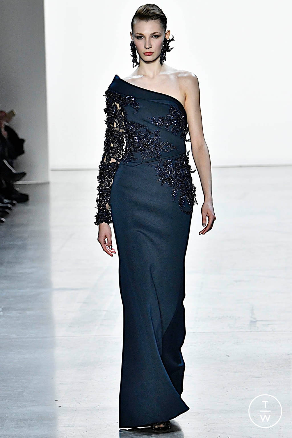 Fashion Week New York Fall/Winter 2019 look 20 from the Badgley Mischka collection womenswear