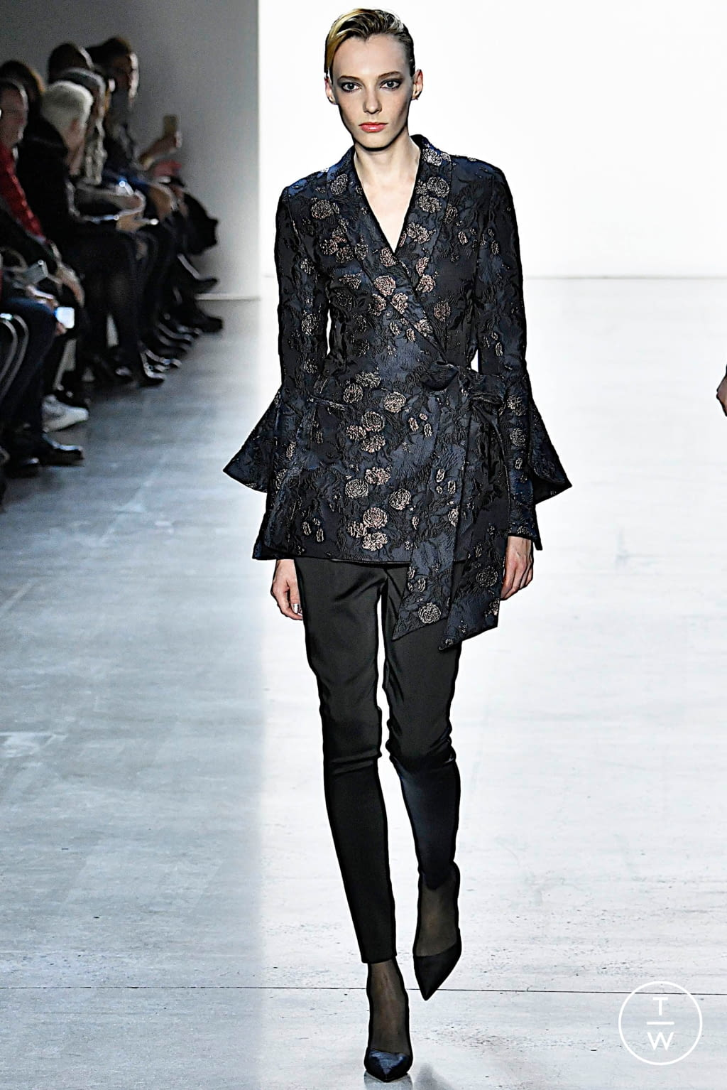 Fashion Week New York Fall/Winter 2019 look 21 from the Badgley Mischka collection womenswear