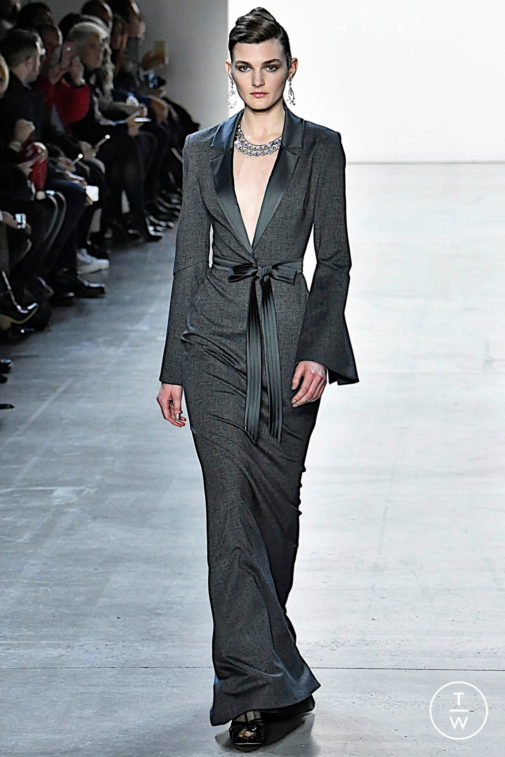 Fashion Week New York Fall/Winter 2019 look 22 from the Badgley Mischka collection womenswear