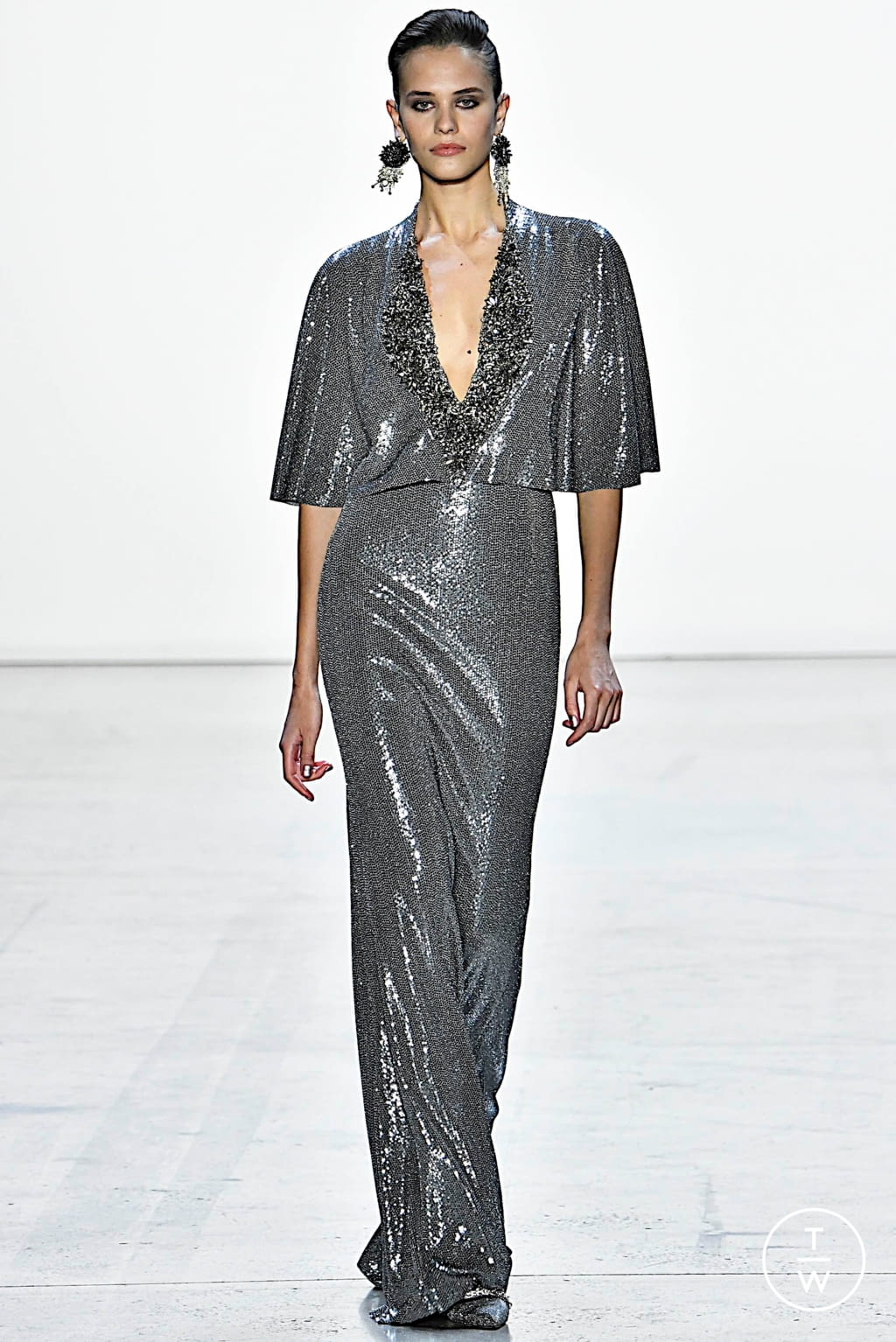 Fashion Week New York Fall/Winter 2019 look 29 from the Badgley Mischka collection womenswear