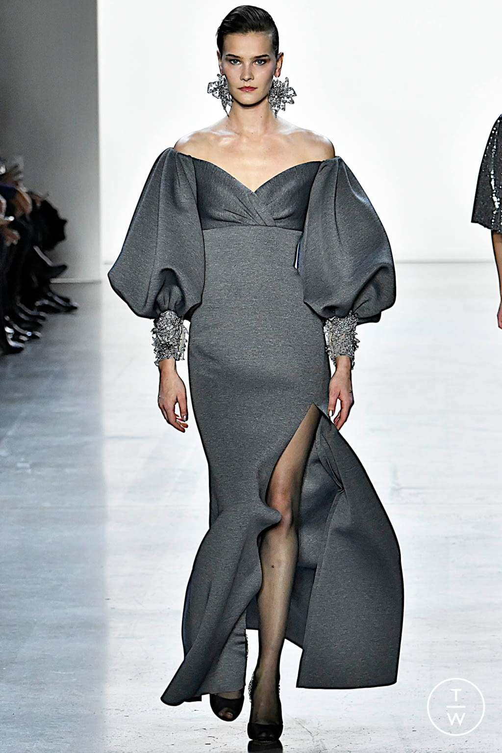 Fashion Week New York Fall/Winter 2019 look 30 from the Badgley Mischka collection womenswear