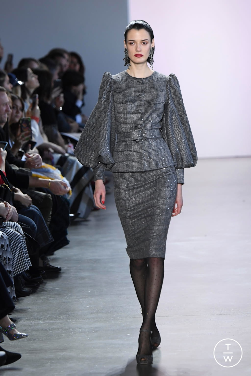 Fashion Week New York Fall/Winter 2020 look 2 from the Badgley Mischka collection womenswear