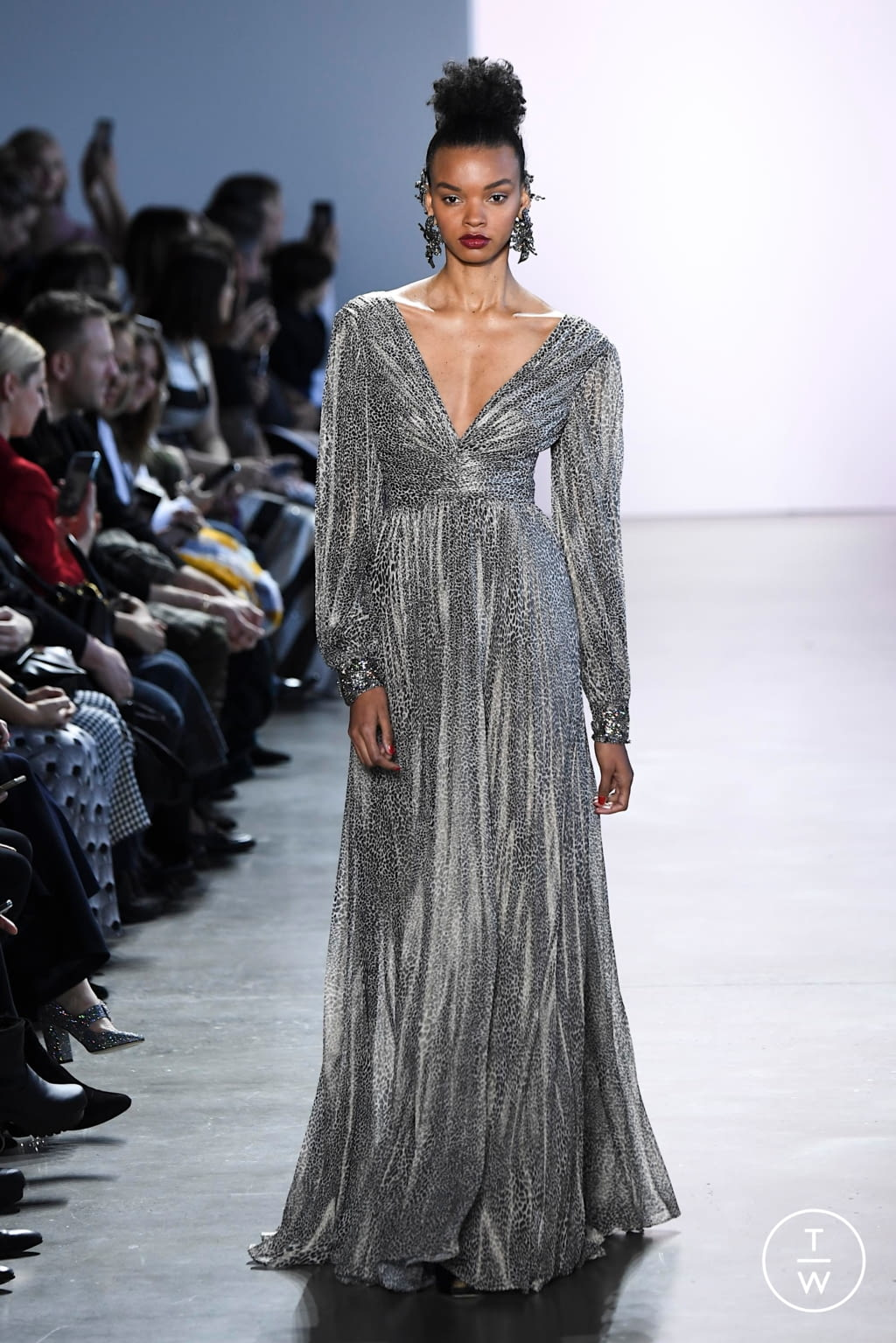 Fashion Week New York Fall/Winter 2020 look 6 from the Badgley Mischka collection womenswear