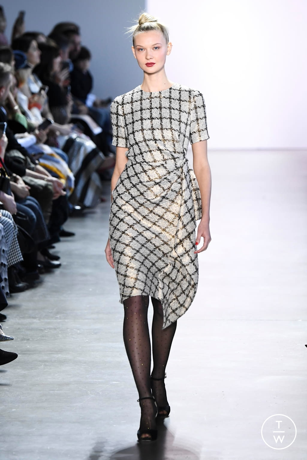 Fashion Week New York Fall/Winter 2020 look 13 from the Badgley Mischka collection womenswear