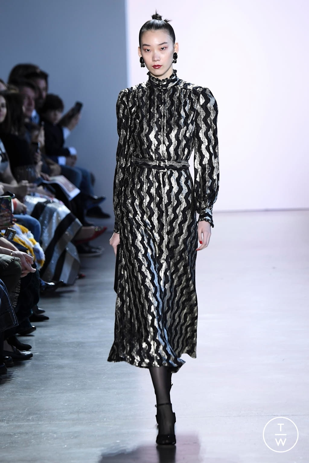 Fashion Week New York Fall/Winter 2020 look 15 from the Badgley Mischka collection womenswear