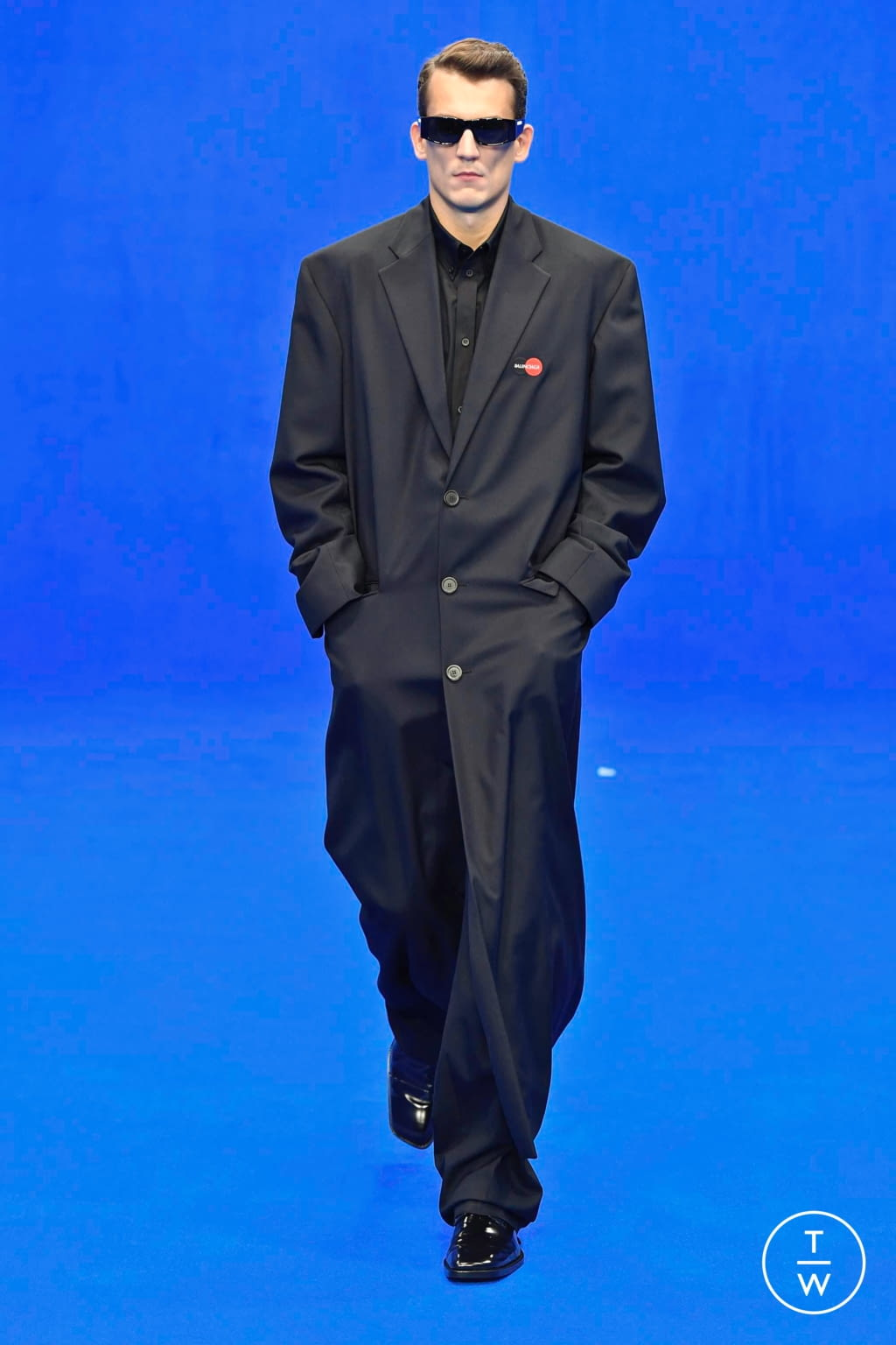 Fashion Week Paris Spring/Summer 2020 look 6 from the Balenciaga collection menswear