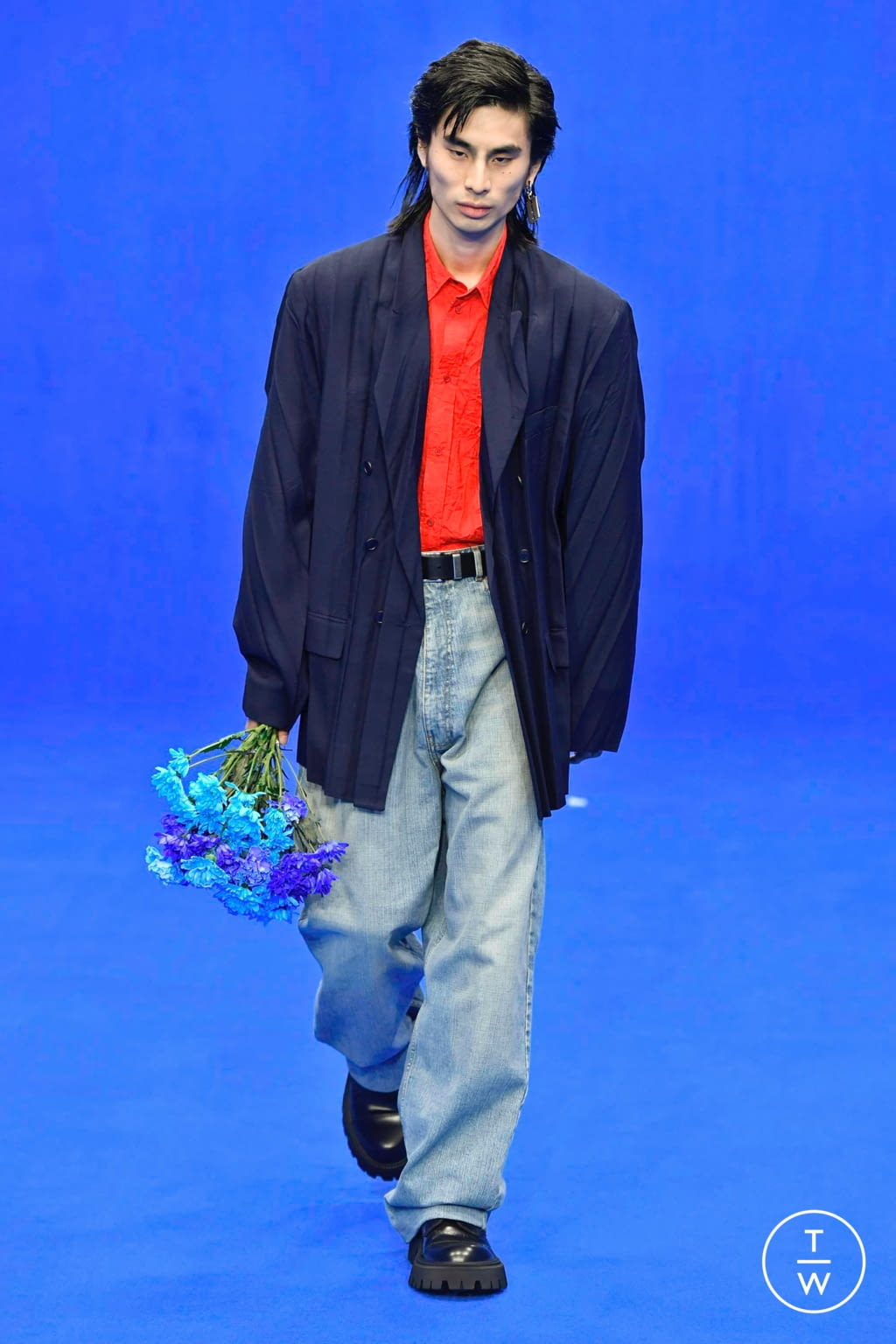 Fashion Week Paris Spring/Summer 2020 look 24 from the Balenciaga collection menswear