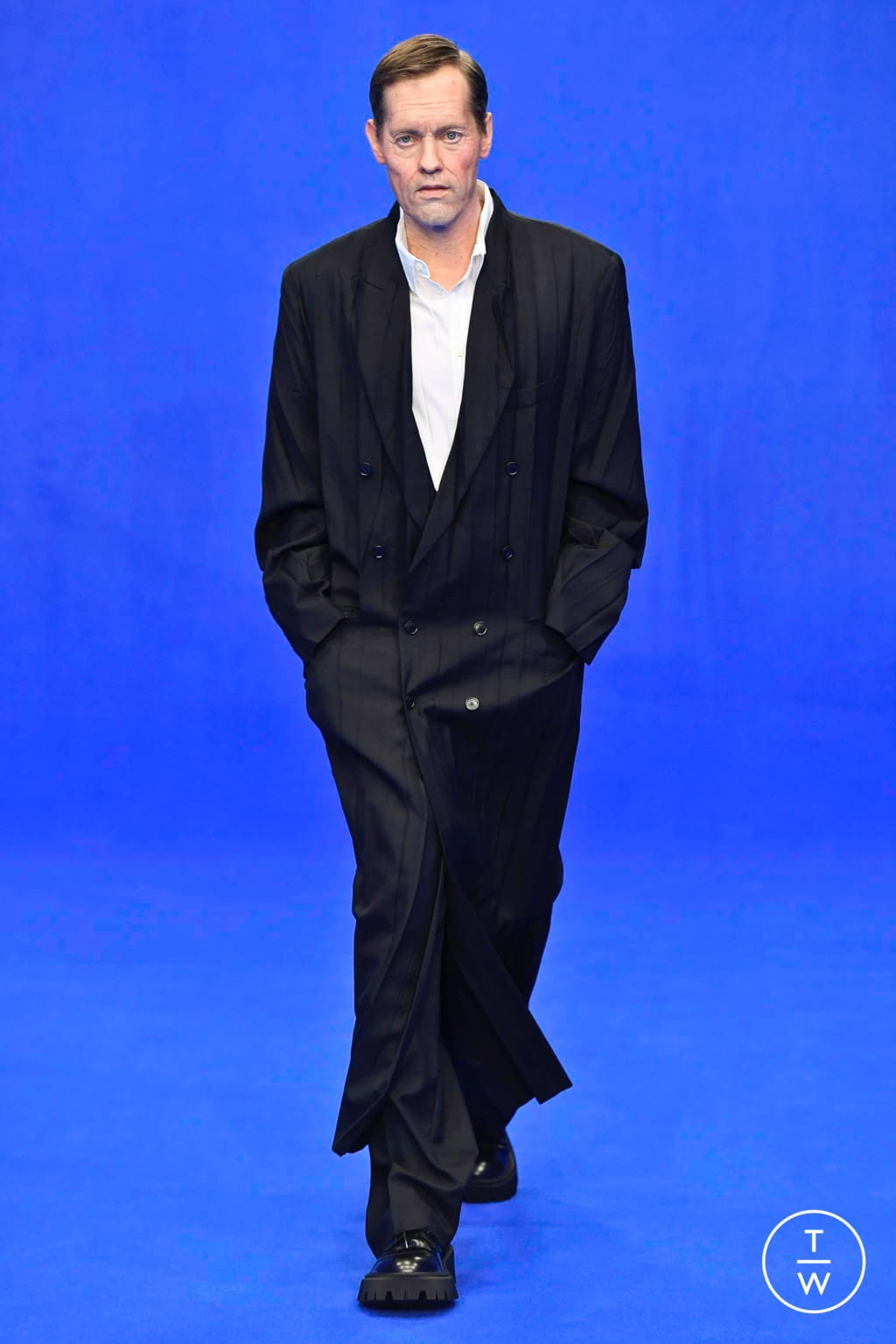 Fashion Week Paris Spring/Summer 2020 look 31 from the Balenciaga collection menswear