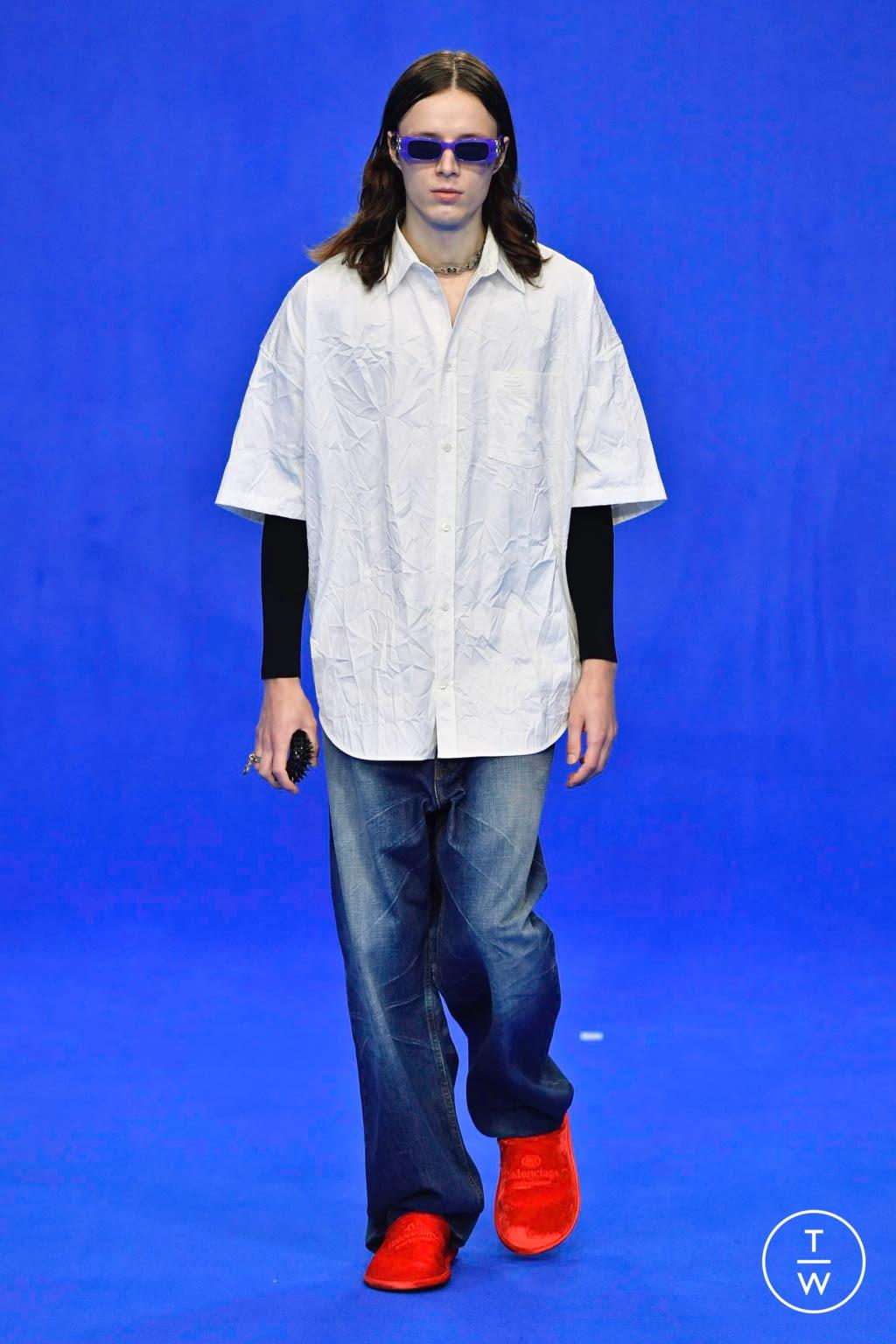 Fashion Week Paris Spring/Summer 2020 look 64 from the Balenciaga collection menswear