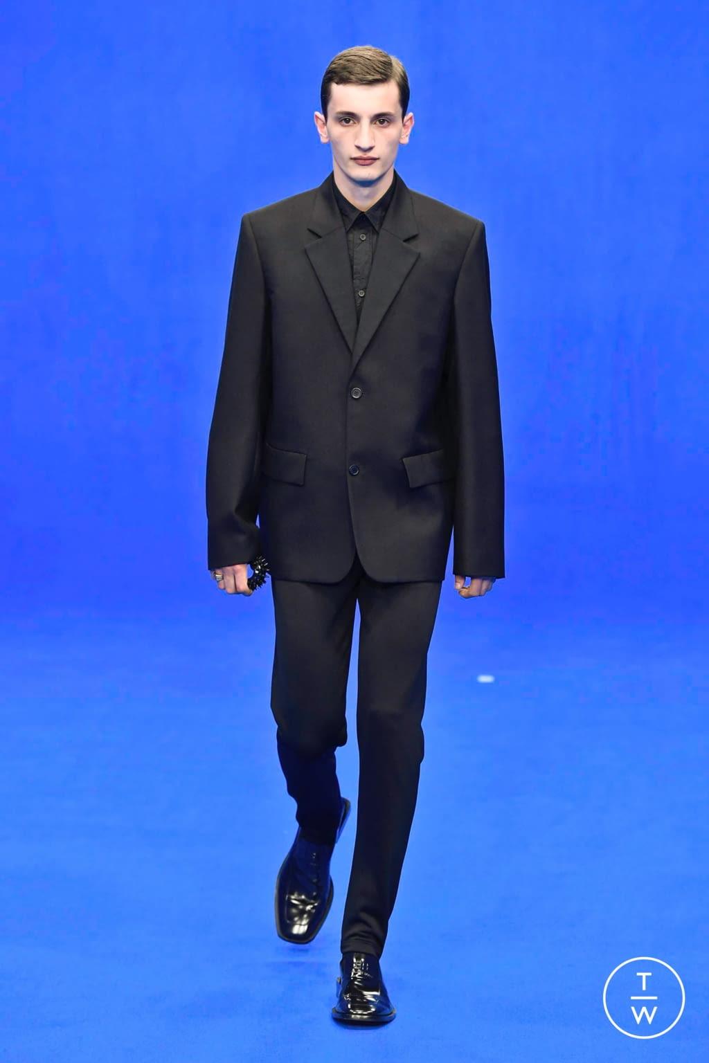 Fashion Week Paris Spring/Summer 2020 look 70 from the Balenciaga collection menswear