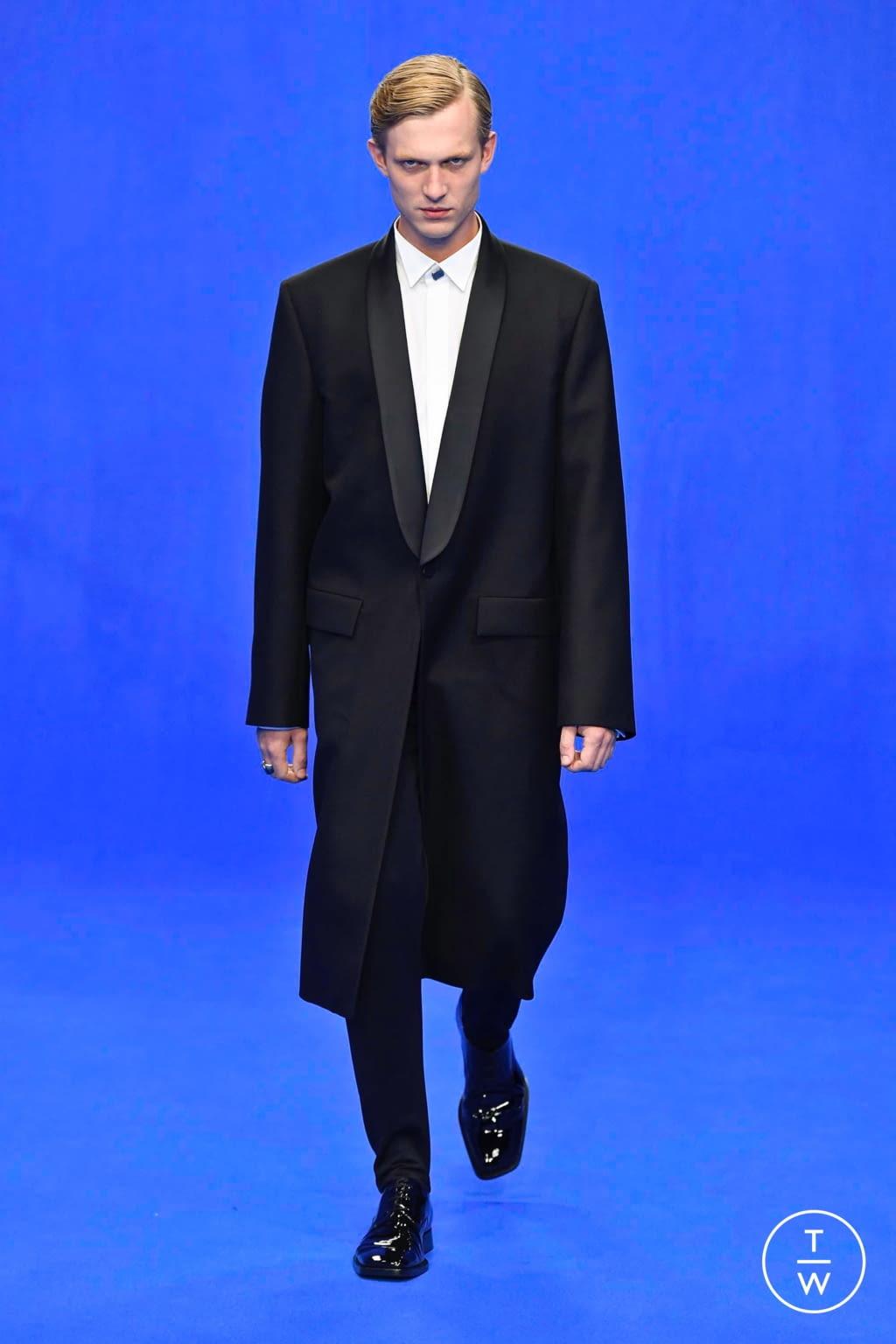 Fashion Week Paris Spring/Summer 2020 look 86 from the Balenciaga collection menswear