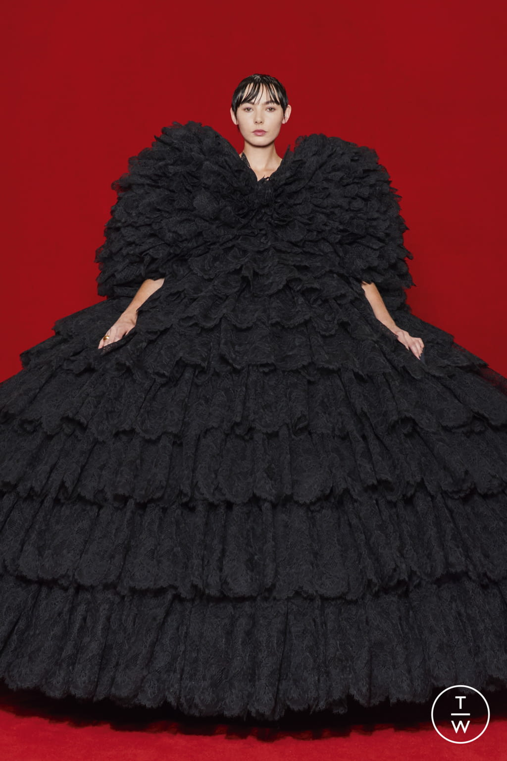Fashion Week Paris Spring/Summer 2022 look 1 from the Balenciaga collection womenswear