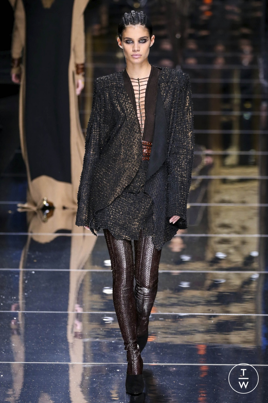 Fashion Week Paris Fall/Winter 2017 look 50 from the Balmain collection 女装