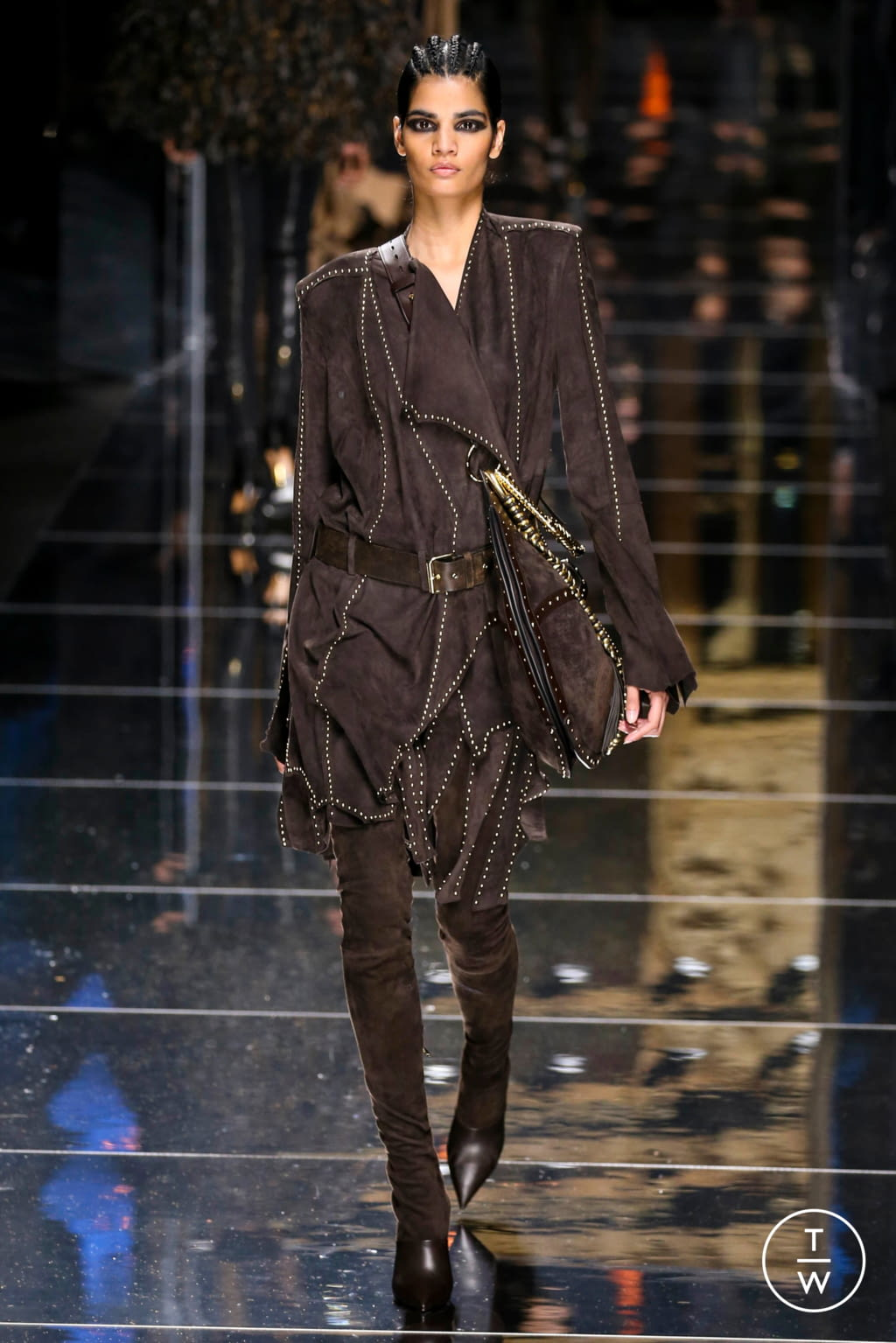 Fashion Week Paris Fall/Winter 2017 look 51 from the Balmain collection 女装