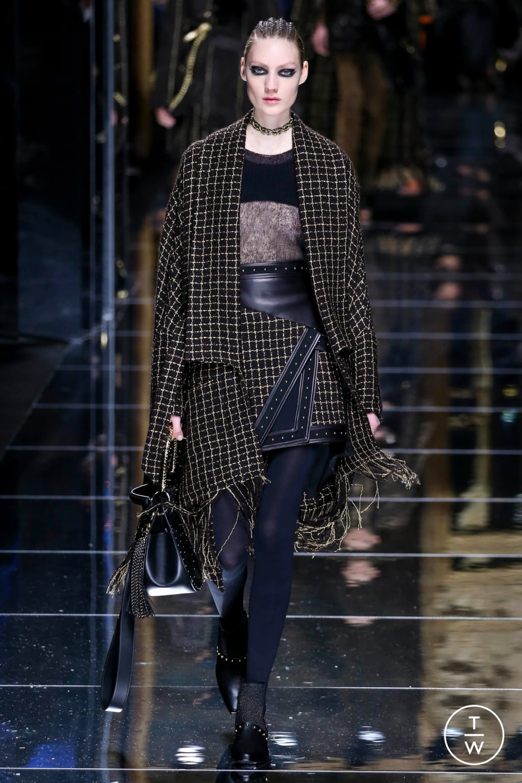 Fashion Week Paris Fall/Winter 2017 look 53 from the Balmain collection 女装