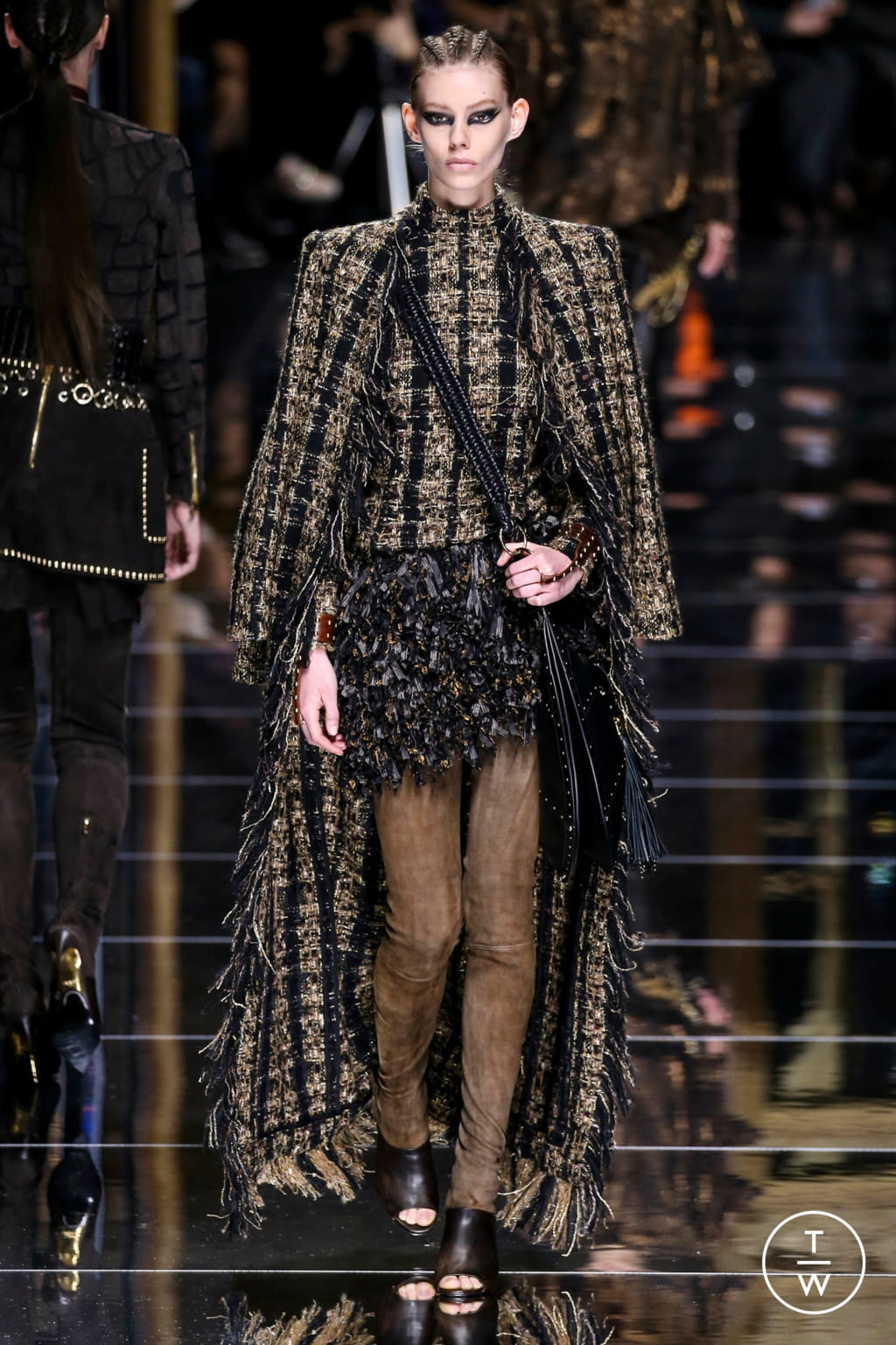 Fashion Week Paris Fall/Winter 2017 look 54 from the Balmain collection 女装