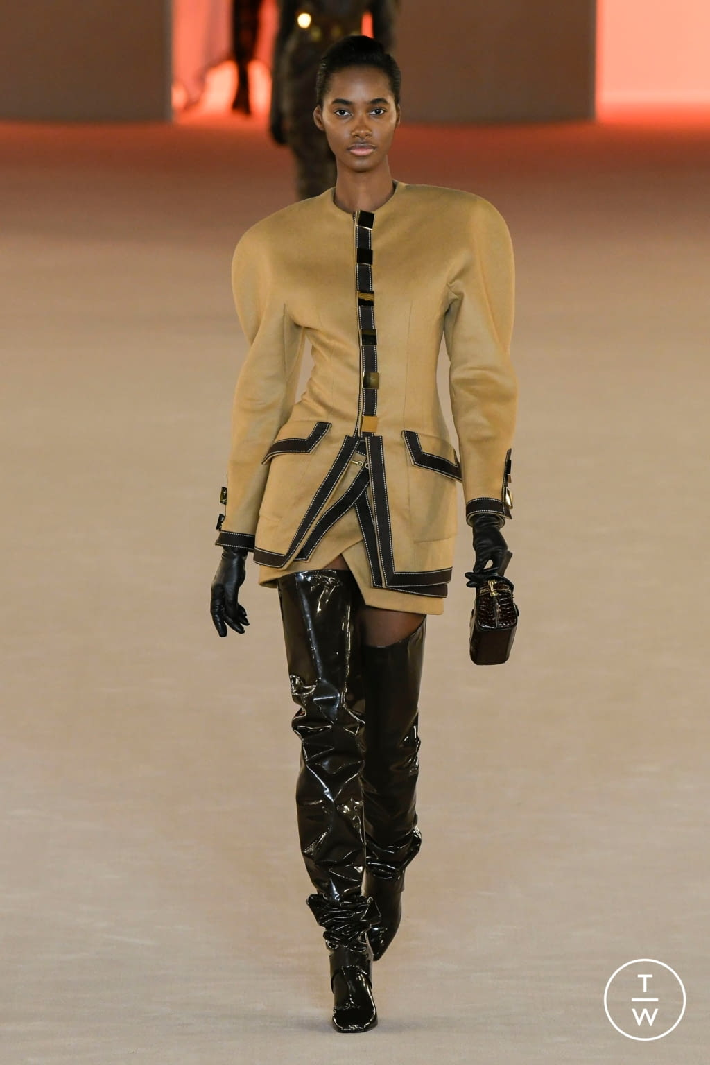 Fashion Week Paris Fall/Winter 2020 look 8 de la collection Balmain womenswear