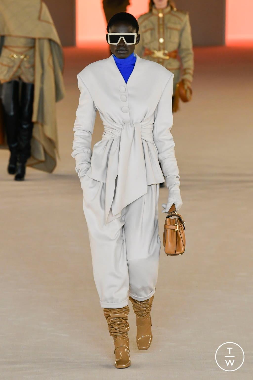 Fashion Week Paris Fall/Winter 2020 look 10 from the Balmain collection womenswear