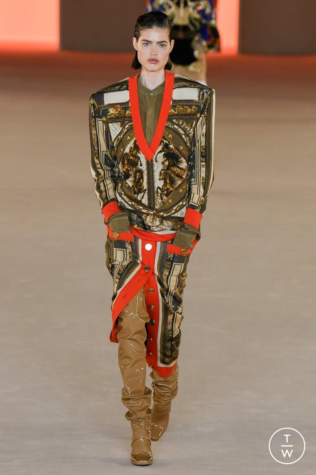 Fashion Week Paris Fall/Winter 2020 look 18 from the Balmain collection womenswear