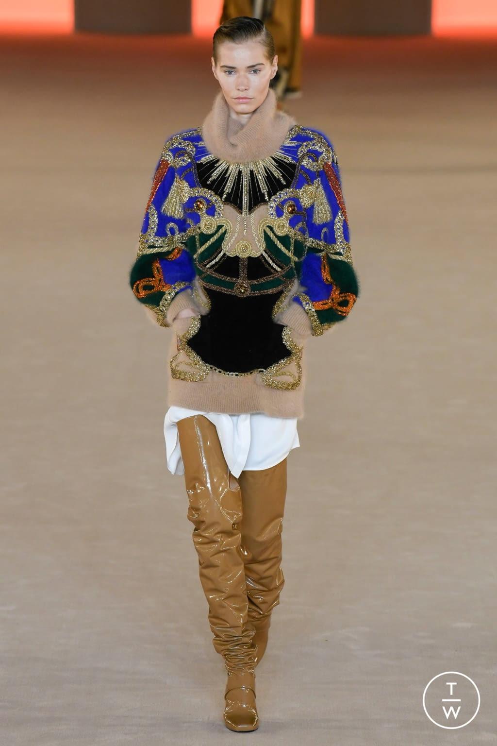 Fashion Week Paris Fall/Winter 2020 look 19 from the Balmain collection womenswear