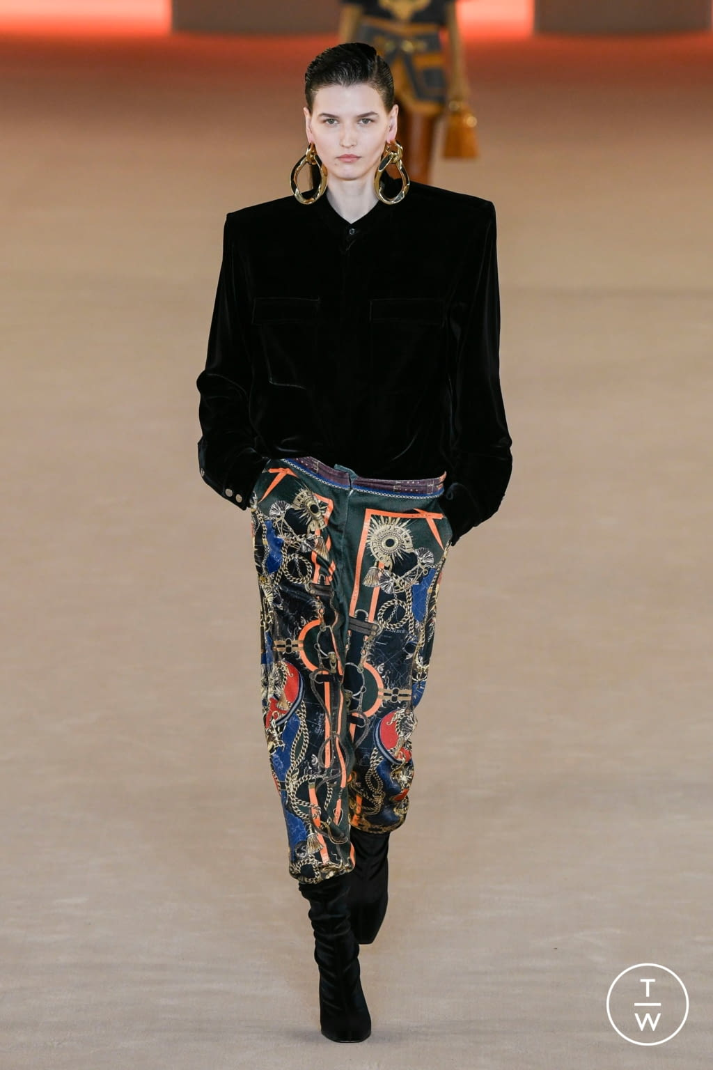 Fashion Week Paris Fall/Winter 2020 look 27 from the Balmain collection womenswear