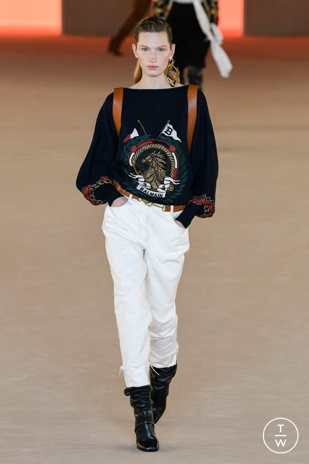 Fashion Week Paris Fall/Winter 2020 look 33 from the Balmain collection 女装