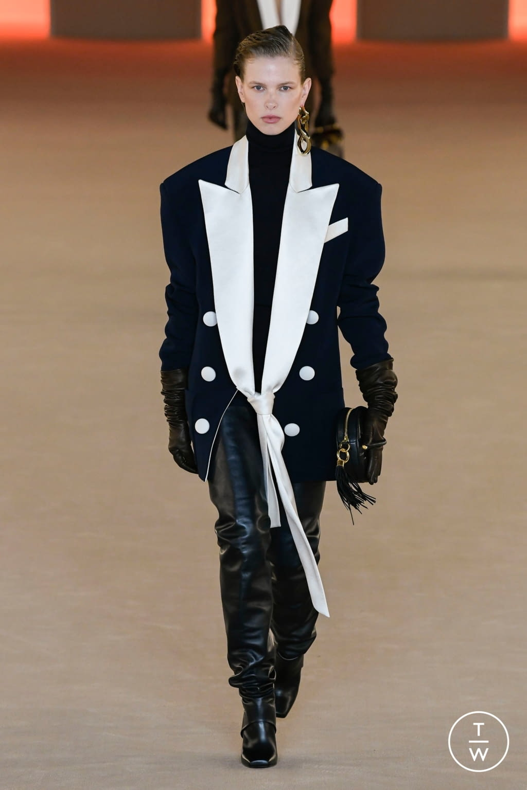 Fashion Week Paris Fall/Winter 2020 look 44 from the Balmain collection 女装