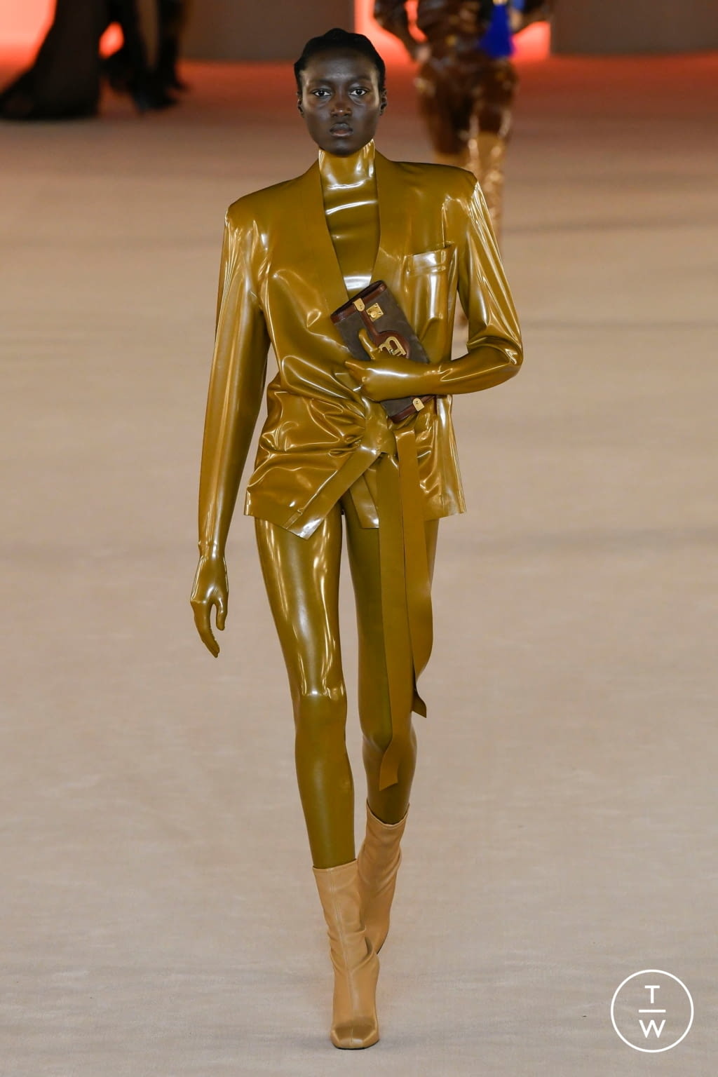 Fashion Week Paris Fall/Winter 2020 look 60 from the Balmain collection womenswear