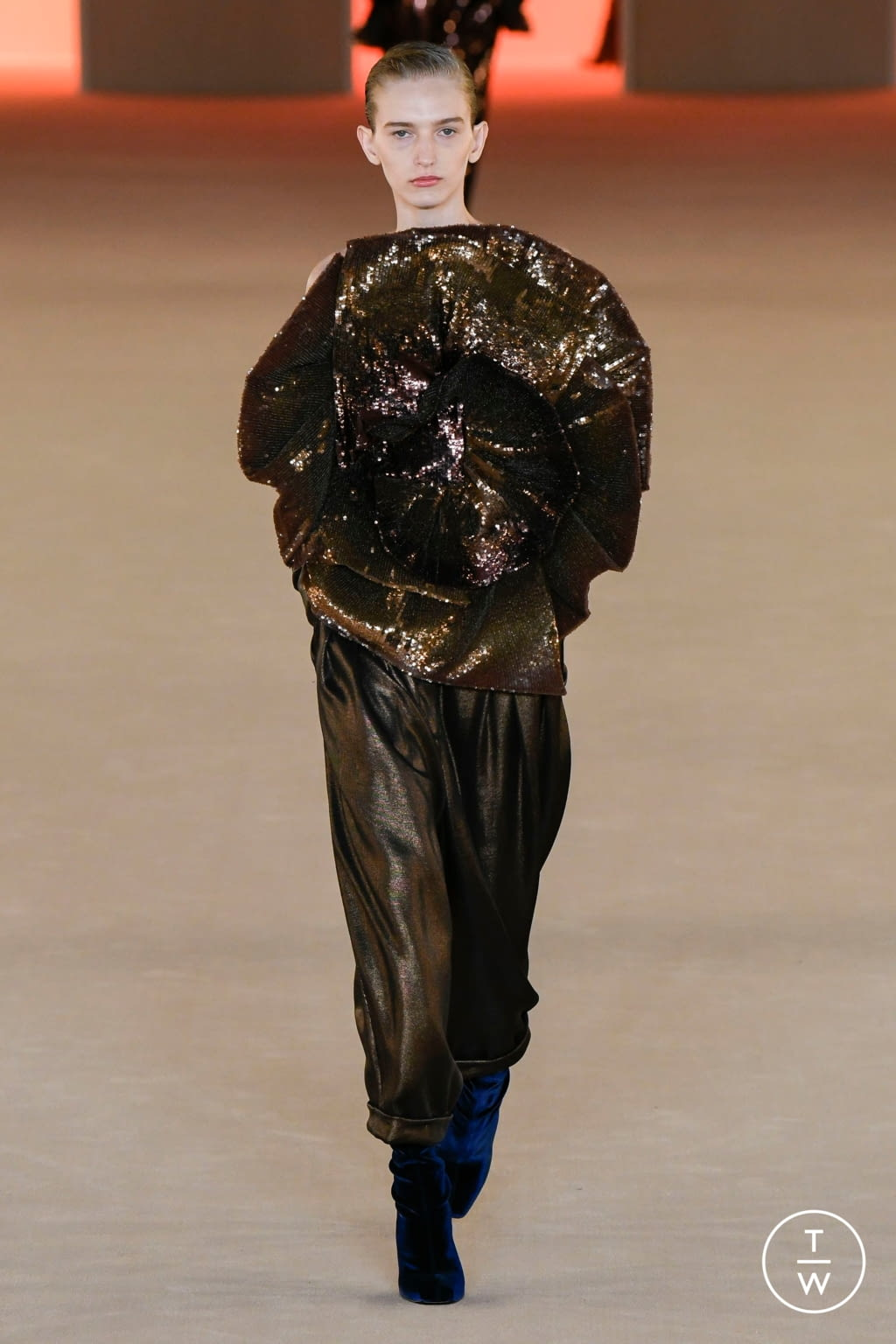 Fashion Week Paris Fall/Winter 2020 look 62 from the Balmain collection womenswear