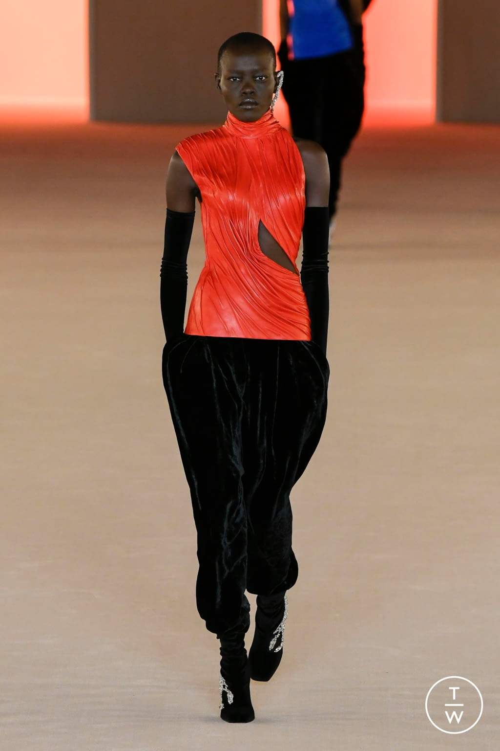Fashion Week Paris Fall/Winter 2020 look 69 from the Balmain collection womenswear