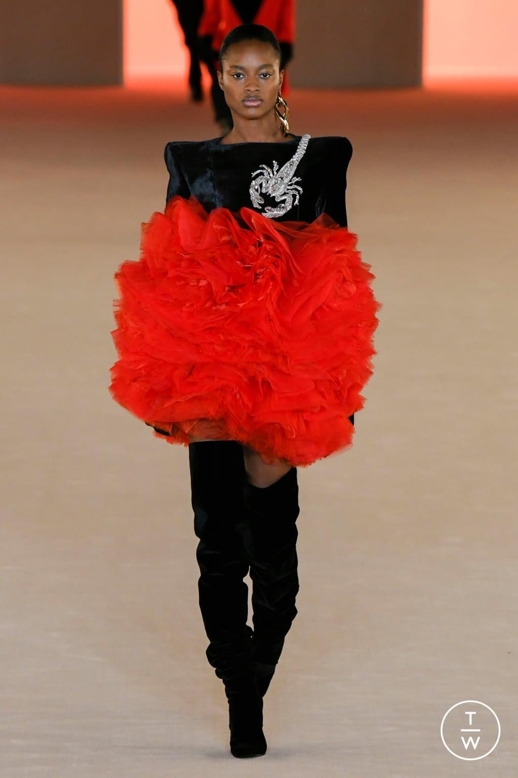 Fashion Week Paris Fall/Winter 2020 look 75 from the Balmain collection womenswear