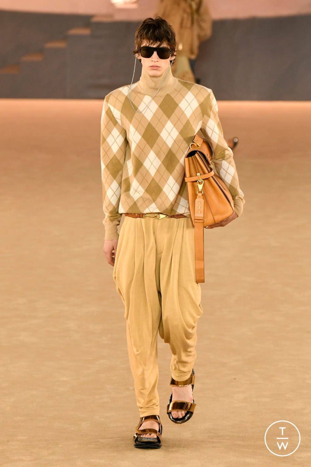 Fashion Week Paris Fall/Winter 2020 look 12 from the Balmain collection menswear