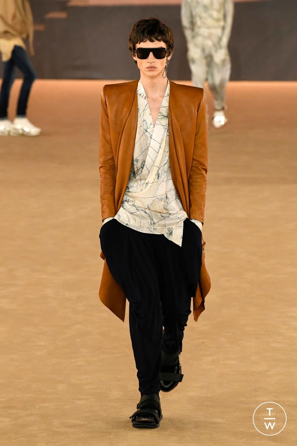 Fashion Week Paris Fall/Winter 2020 look 17 from the Balmain collection menswear